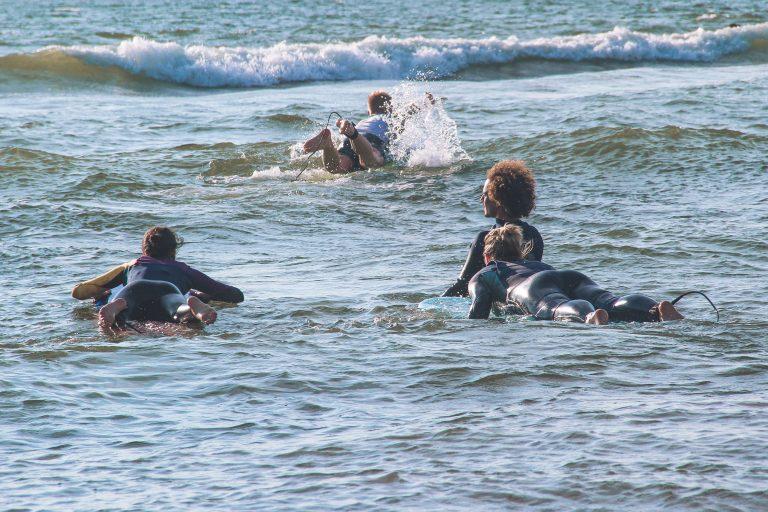 Surf lesson clase 1 phuqata camp arica chile