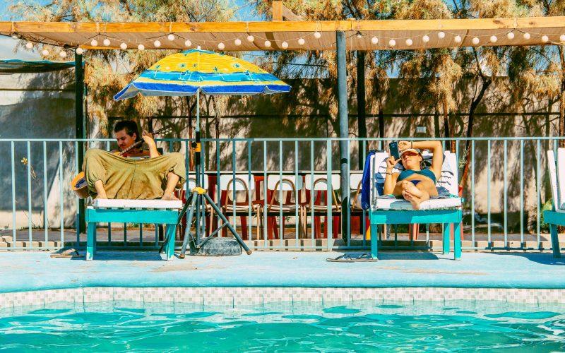 Chill piscina phuqata surf camp arica
